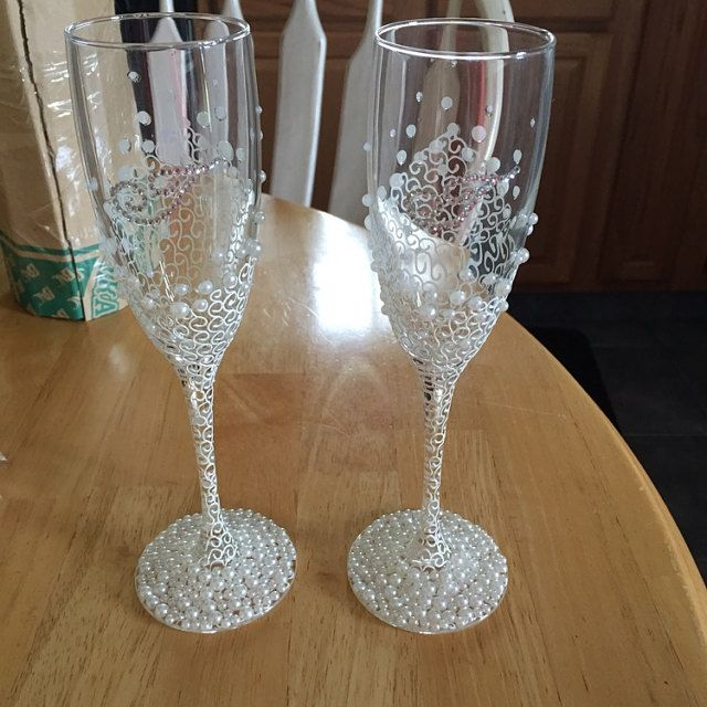 White Wedding Champagne Glasses With Beautiful Roses Romantic Etsy Wedding Champagne Glasses Wedding Champagne Flutes Wedding Toasting Glasses