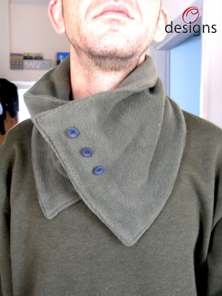 Handmade neck warmer made with fleece. For men.