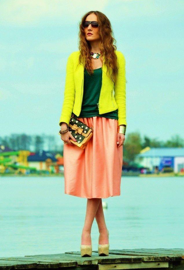 С чем носить желтый пиджак? Фото и советы