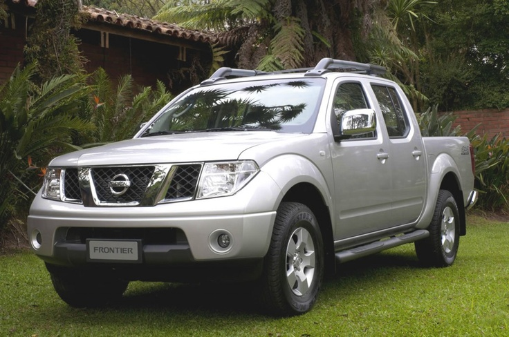 Nissan Frontier extended cab from