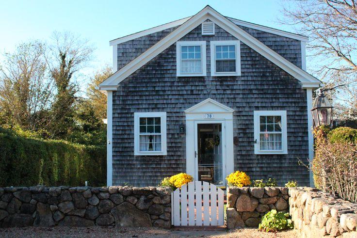 Martha's Vineyard cottage | Photo credit: Amy Meier