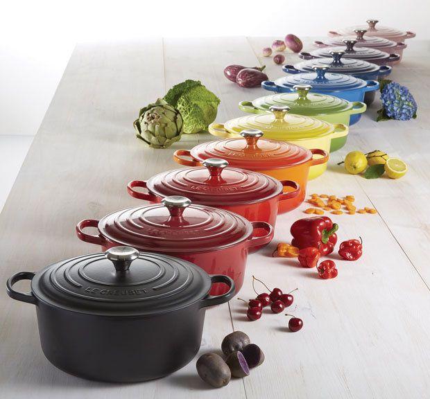 Le #Creuset #pannen De #regenboog in de #keuken Le Creuset breng in 2015 kleur in de #keuken. Na de succesvolle introductie van tal van accessoires in vrolijke kleurtjes, is nu de regenboog over het gietijzer gegaan. De Franse fabrikant komt met maar liefst 15 verschillende #kleuren #braad-/stoofpannen.  Meer informatie over #keukentrends of pannen? http://www.wonenwonen.nl/keukenaccessoires/le-creuset-pannen/9334