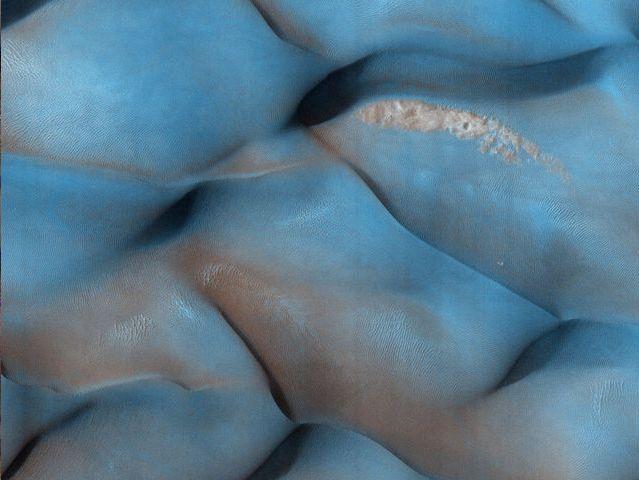 Dunas de dos tonos en Meridiani Terra