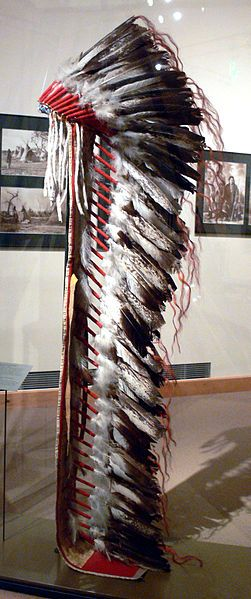 File:Feather headdress Comanche EthnM.jpg - Wikipedia, the free encyclopedia