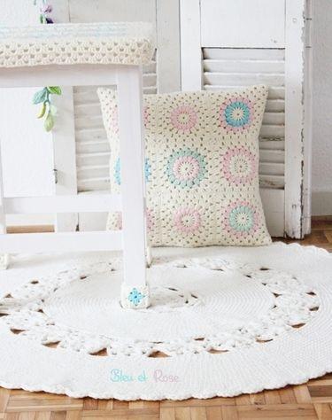 Grannykissen - Cute crochet cushion <3