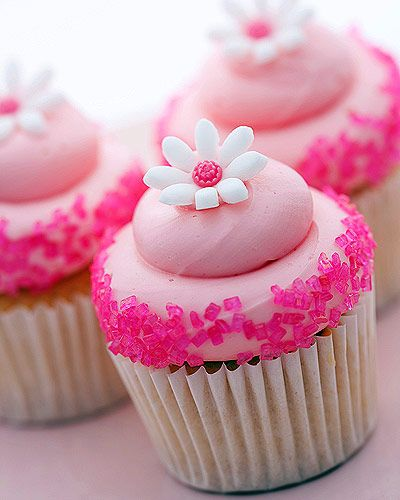 Cupcake Round Up via Fab Food for Life and The Pro Bloggers Tribe -Yummy recipes to pin for later!