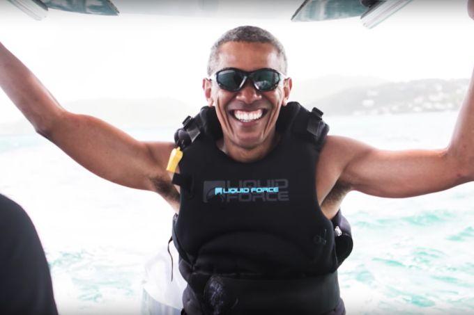 Obama surfistão: veja o ex-presidente dos EUA arrasando no mar