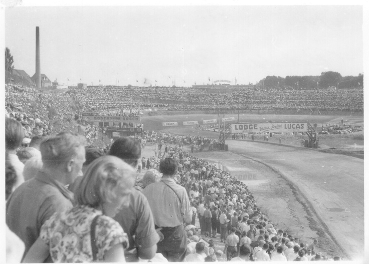 Thousands of spectators