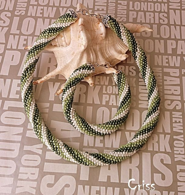 Handmade by Criss: Set verde din margele crosetate