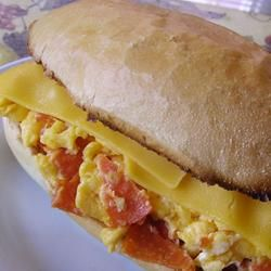 SCRAMBLED EGG & PEPPERONI SUBMARINE SANDWICH: This is a quick recipe for a hot and hearty sub sandwich #egg #pepperoni #sub #sandwich