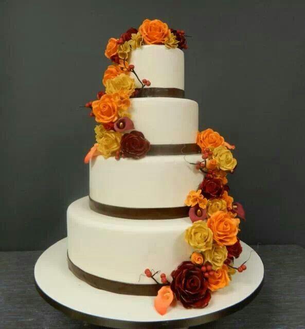 Prachtige taart voor een herfst bruiloft