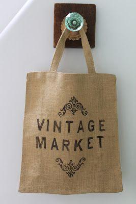 Bolsas de arpillera con fuelle,   ideales para ir de compras   y reemplazar a las bolsas de plástico.   Estampadas en el frente con dise...