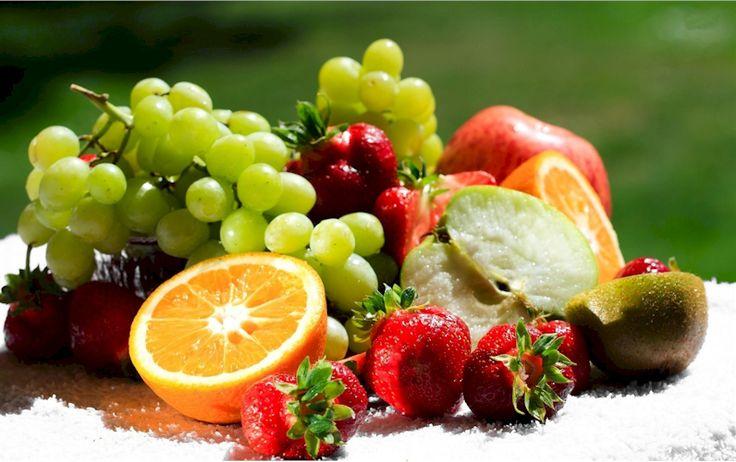 BIENESTAR,ESTÉTICA,IMAGEN PERSONAL,SALUD  VITAMINAS PARA LA PIEL  Algunas vitaminas y minerales tienen un papel más importante en el aspecto saludable de la piel, ya sea consumidas a través de los alimentos, o como ingredientes en productos de belleza. Sin embargo, no hay que olvidar que todas las vitaminas y minerales contribuyen a la buena salud, y el bienestar interno se reflejará en…  http://www.thevalues.club/imagenpersonal/vitaminas-para-la-piel
