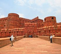 If you wish to explore the historical beauty of Golden Triangle cities, Completed in Golden Triangle Tour 5 Days 4 nights, Delhi Agra Jaipur Tour 5 Days 4 nights, 5 days golden triangle tour, 5 days Delhi Agra Jaipur tour will showcase the best of historical beauty of India.