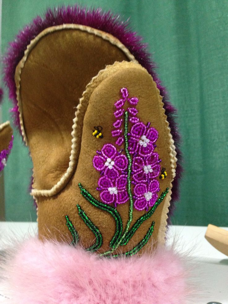 Fireweed mitts. Pink fur isn't quite my thing, but I like the fireweed.