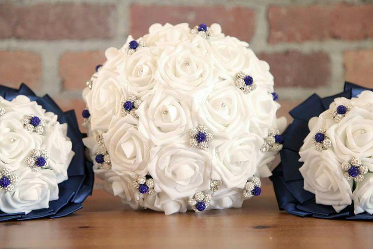 Bouquets de la mariée et des bouquetières.