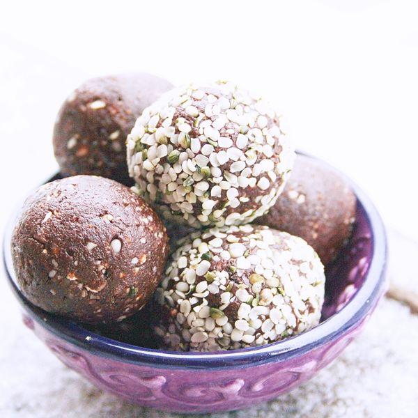 Yogi Dietitian: Yoga Fuel Chocolate Balls