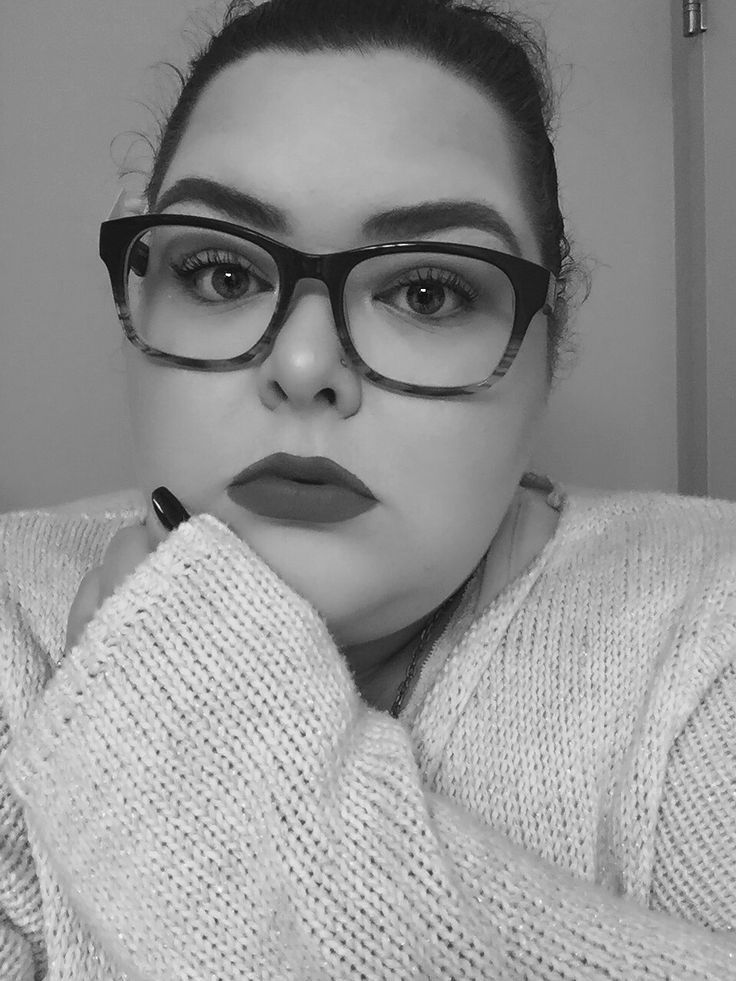 Makeup Pretty  Black and white  Selfie