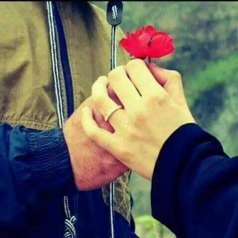 الحب أن نجد من نحب بجانبنا دون أن نضطرّ للنداء .. !