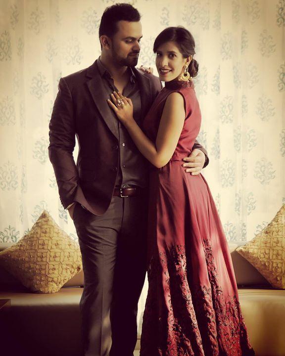 Pre wedding! #deepikasaurabh #prewedding #photo #love #delhi #weddingphotography #styling #makeup #beautiful #couple #happiness #tanishqmalhotra On saurabh: blazer by suits by you @suitsbyyou Shirt by blackberry Pants by blackberry On deepika: crop top and skirt by ahalya by priya chhabra @ahalya_by_priya Accessories by artsieville @artsie_ville http://ift.tt/2dSq65q