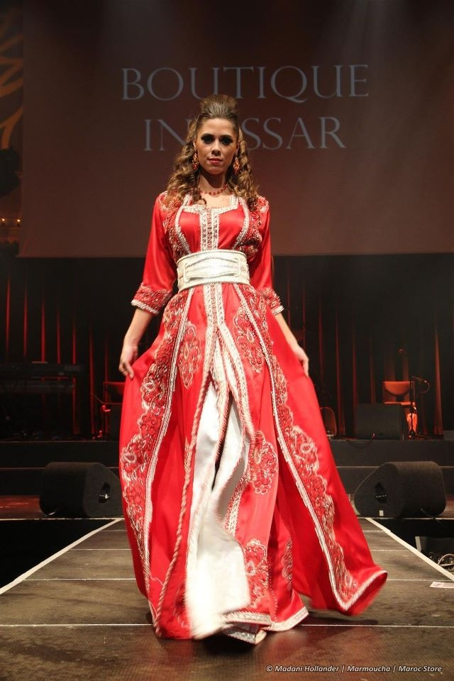 Foto's van Maroc Store Fashion Show & Hafla Anissa 2011  This would be a beautiful + unusual wedding dress