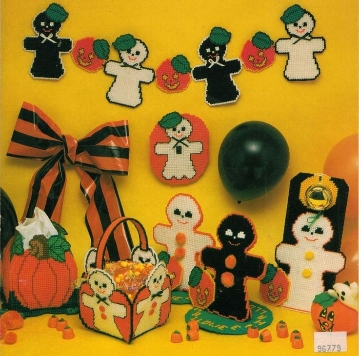 PLASTIC CANVAS HALLOWEEN GHOSTS PUMPKIN TISSUE COVER CARD CADDY DOORKNOB PATTERN