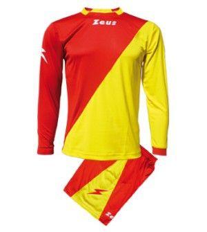 Piros-Sárga Zeus Ergo Osztott Focimez Szett rugalmas, sztreccses, osztott színű, kényelmes, kopásálló, könnyen száradó, rövid ujjú mezzé alakítható az Ergo focimez szett. Egyedi, tartós, kitűnő, vagány viselet, nagyszerű választás. Piros-Sárga Zeus Ergo Osztott Focimez Szett 3 méretben és további 6 színkombinációban érhető el. - See more at: http://istenisport.hu/termek/piros-sarga-zeus-ergo-osztott-focimez-szett/#sthash.v4QAgdc8.dpuf