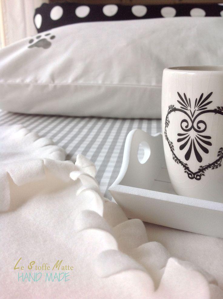 Coppia federe cuscino letto - Motivo impronte - 50x80cm - Dettaglio