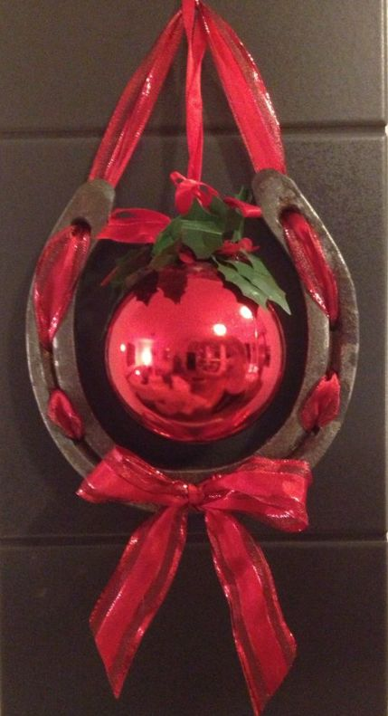 Horsenista Christmas: DIY Horseshoe Ornaments