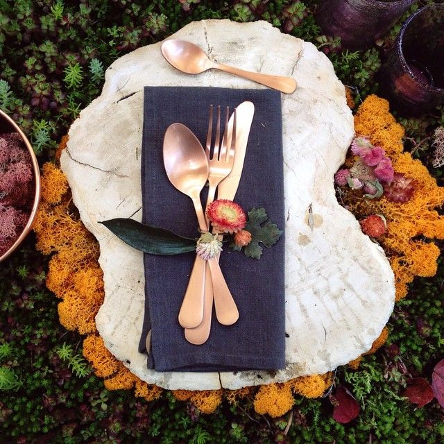 Copper flatware + fall napkin decor: