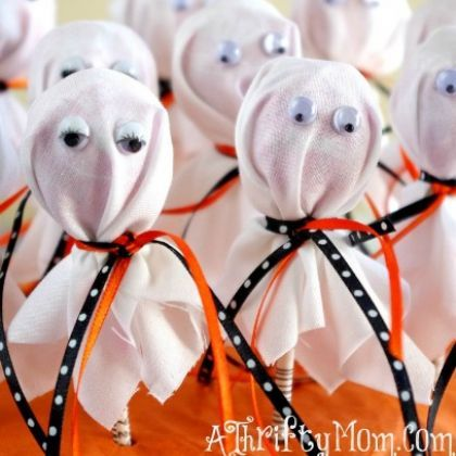 Trick or Treat: 20 Halloween Candy Crafts