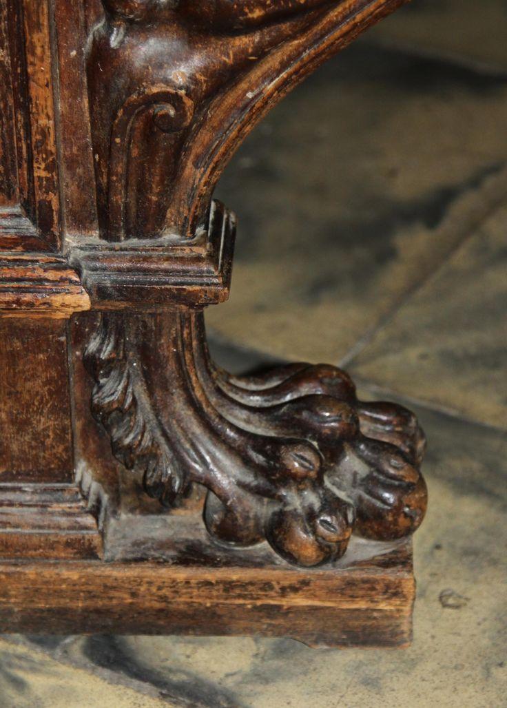 Стол библиотечный с фигурами грифонов в стиле эклектика • Русская Антикварная Галерея