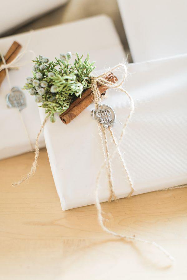 Scandinavian Styled Christmas Table Christmas Gift Wrapping Gift Wrapping Gift Wrapping Inspiration