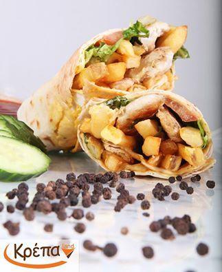 Τορτίγια Chicken με σως ,μαρούλι, κοτόπουλο, καλαμπόκι, παρμεζάνα και πατατούλες. Aπολαύστε την!!  #ΚρέπαLand #Συκιές #Delivery #Κρέπα #Βάφλα #παγωτό