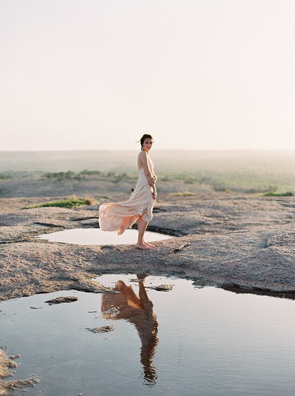 I love the artistic nature of this shoot.. the images in the desert look like paintings with the most beautiful subtle colours. A superbly talented team of vendors lead by photographer JENNA MCELROY created this gorgeousness which also featured in Issue 7