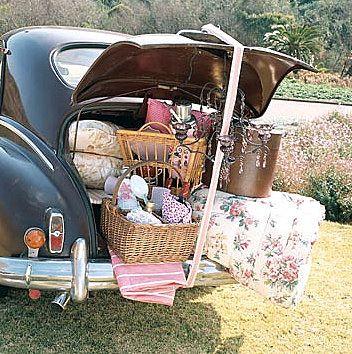 Romantic getaway:)Picnics Perfect, Fleas Marketing Roads Trips, Summer Picnics, Room Seventeen, Picnics Time, Vintage Picnics, Picnics Baskets, Fun, Dreams Cars