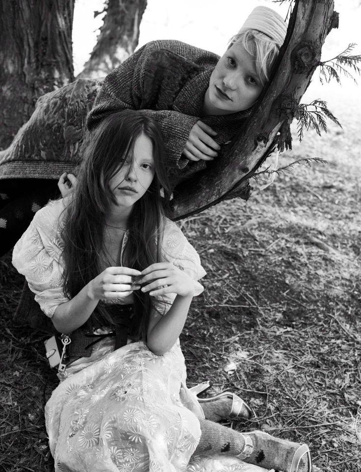 Mia Wasikowska & Mia Goth
