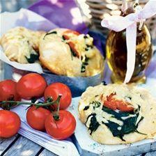 Durumboller med spinat, mozerella og tomat
