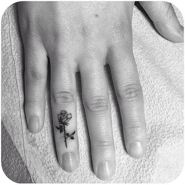Y esta será La única rosa en mi mano