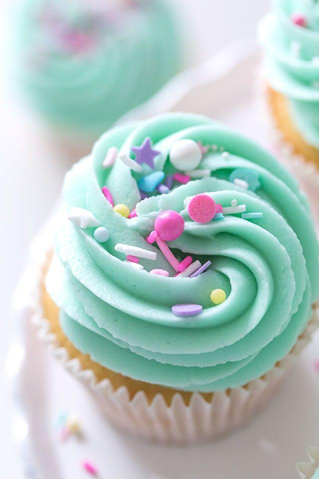 Vanilla Nutella Cupcakes #frosting | #sprinkles | #pastel