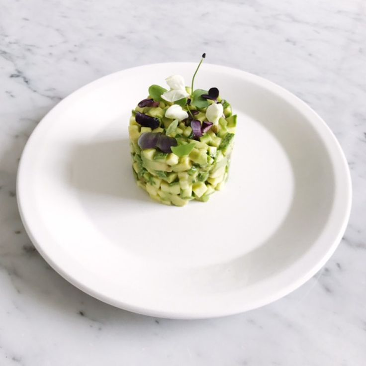 TARTARE CRUDISTA DI ZUCCHINI E AVOCADO | Emanuela Caorsi | Consulente in Nutrizione Olistica & Raw Chef