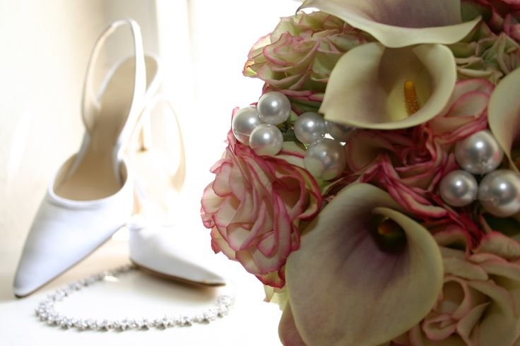 Pearl inspired bridal bouquet