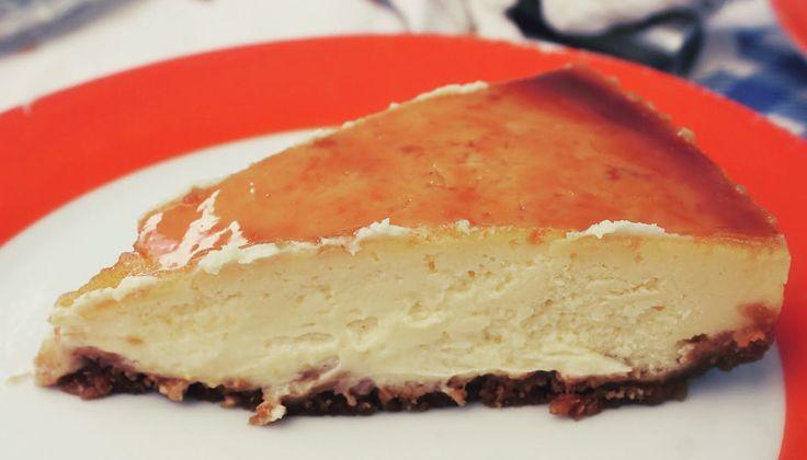 CHEESECAKE DE RICOTTA CON TE VERDE Y SALSA DE TOFFEE http://wwwreposteriabego.blogspot.com.es/2016/07/cheesecake-de-ricotta-y-te-verde-con.html?m=1