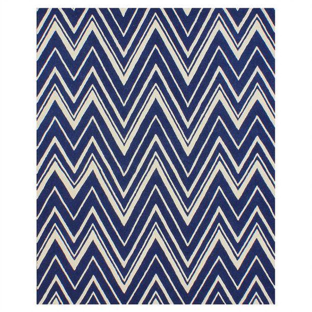 Chevron Area Rug is always a classic. #arearug #homedecor #blueandwhite #afflink #blueandwhitelove #blueandwhiteforever #chevron #interiordecorating