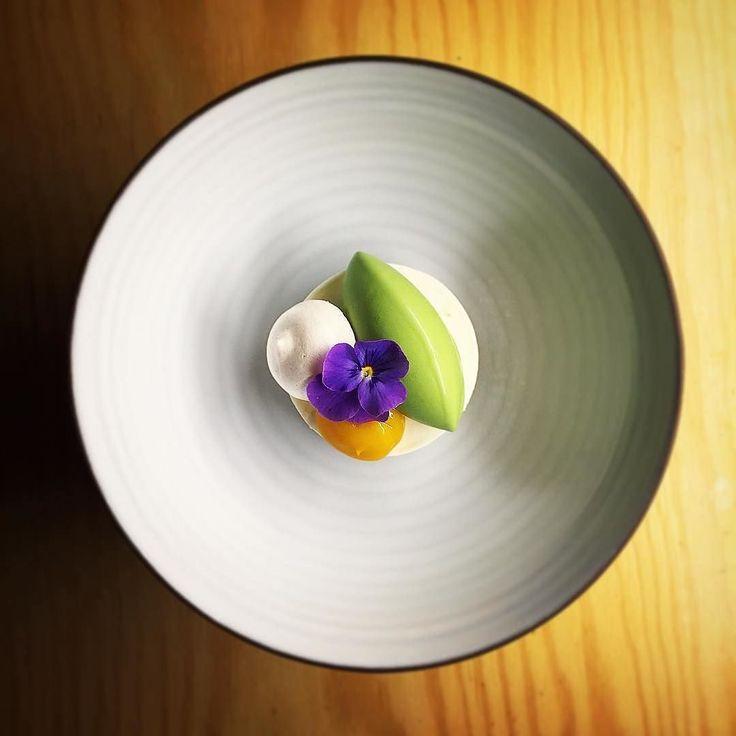 Greek yoghurt/Basil/Mango/Meringue.
