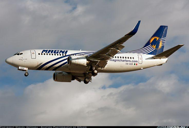 XA-UQX Magnicharters Boeing 737-33A(WL)