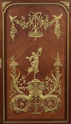 FRANÇOIS LINKE (1855-1946) - A Fine Louis XVI Style Gilt-Bronze Mounted Satinwod Vitrine Cabinet