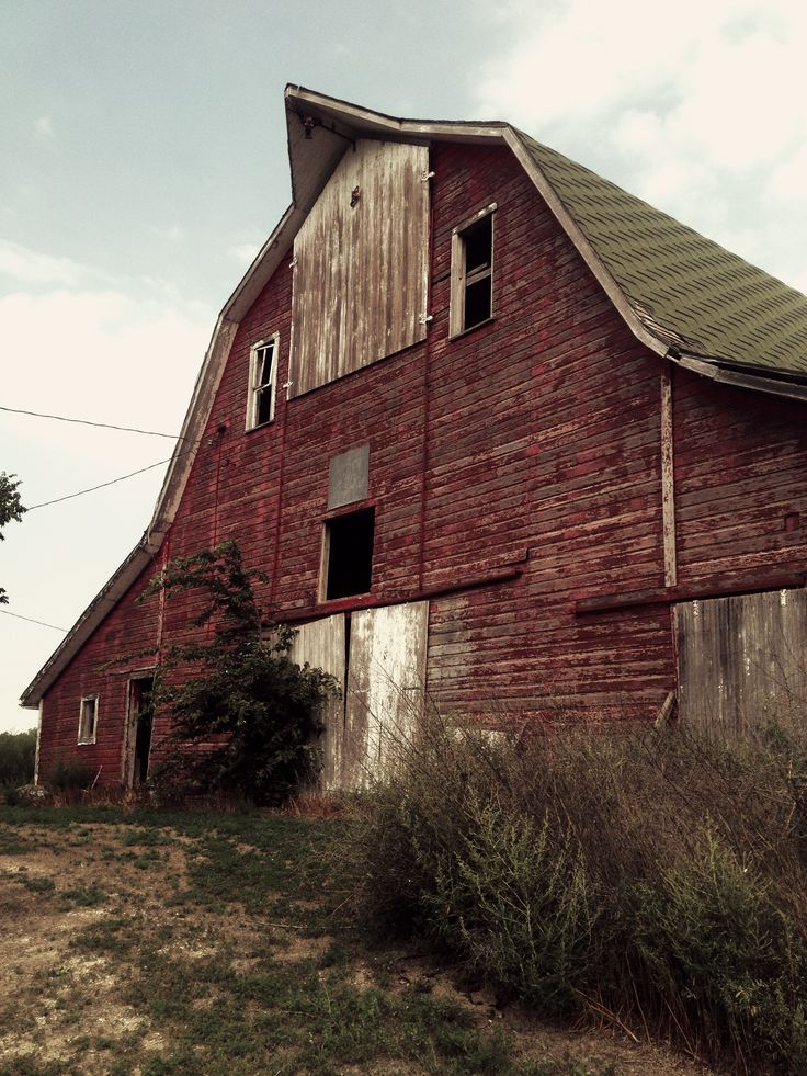 Barns: Best 25+ Hay Barn Ideas On Pinterest