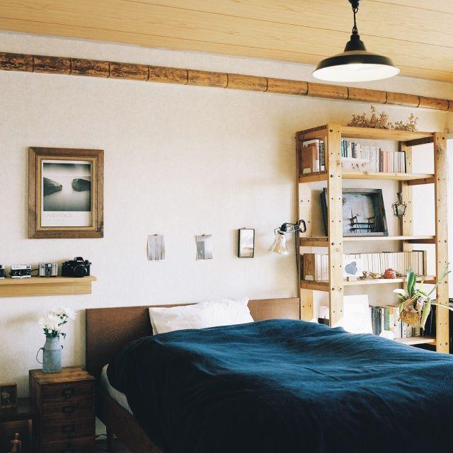 EVOBさんの、観葉植物,ライト,毛布,照明,本棚,hasselblad,trackfurniture,ベッド,植物,無印良品,ヒガクシダ,ベッド周り,のお部屋写真