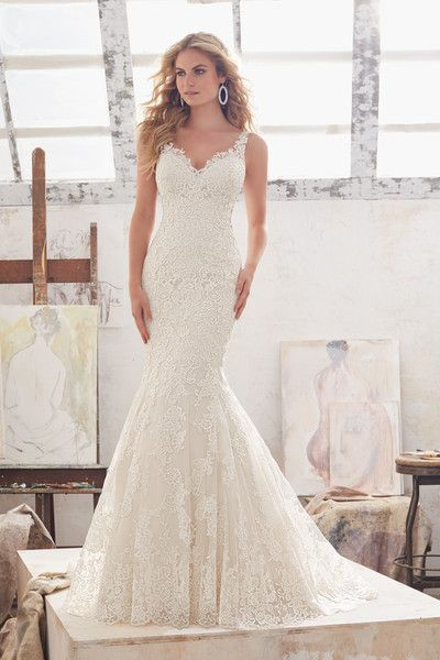 Oh wow, this lace fit-and-flare wedding dress by this Morilee by Madeline Gardner is stunning - such a beautiful hourglass silhouette! Style 8115 by @morileewedding